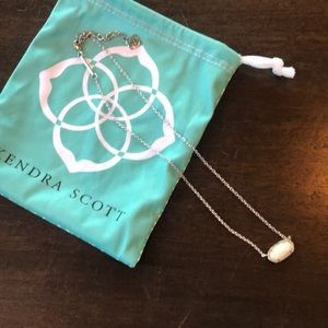 Kendra Scott necklace 🥰